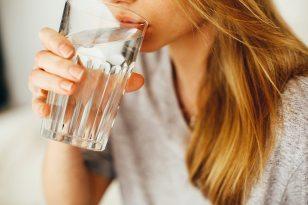 drink-drinking-female-1458671